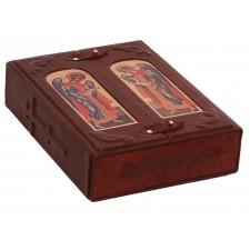 Библия. В малом коробе иконостас-складень.